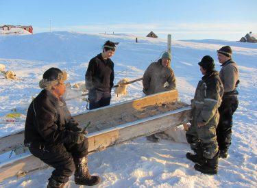Encuentro entre cazadores inuit