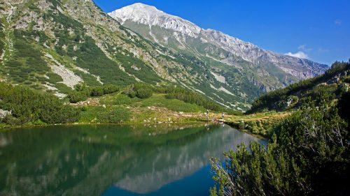 Lago y pico Vihren
