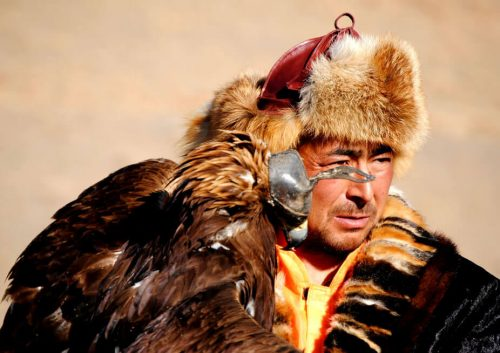 Cazador kazajo con águila
