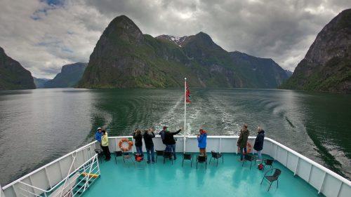 Crucero en el Naeroyfjord