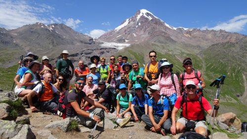 Grupo frente al Kazbek