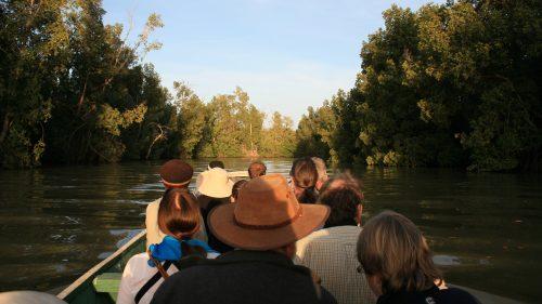 Navegación por los canales del río Gambia