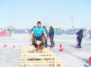 Competiciones en el Festival del Día del Pastor en Salekhard