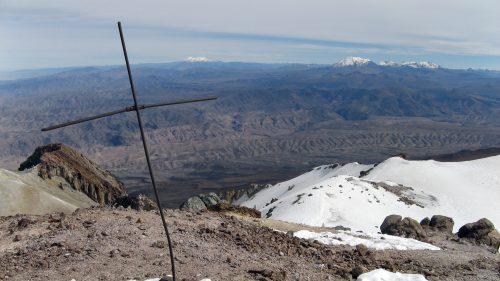 Vista desde el Chachani hacia el Ampato y el Coropuna