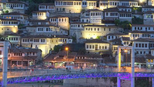 Berat, la ciudad de las Mil ventanas