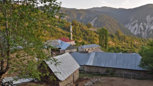 Radomire, cerca del pico más alto de Albania, el Monte Korab